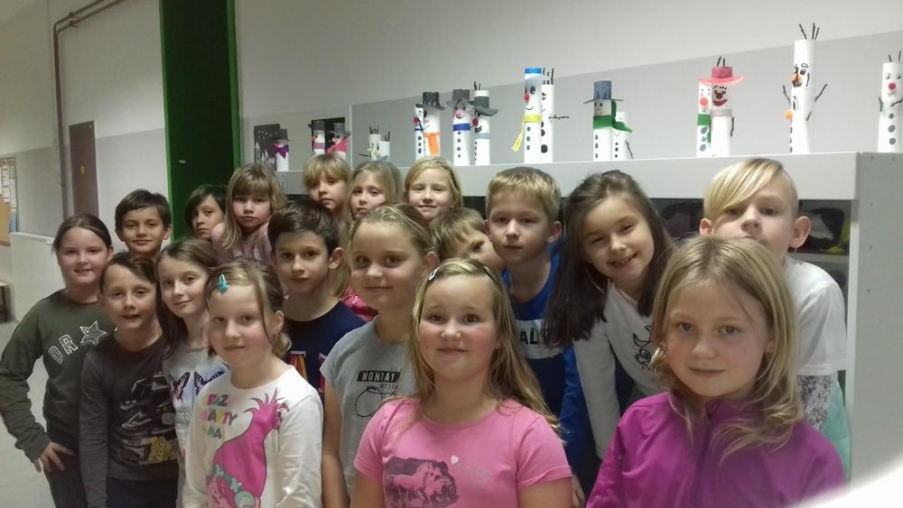Učenci 3. a razreda voščimo prijetne in vesele novoletne praznike